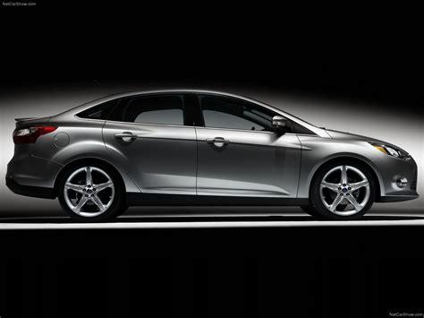 Ford Focus Sedan (2011) - picture 27 of 38