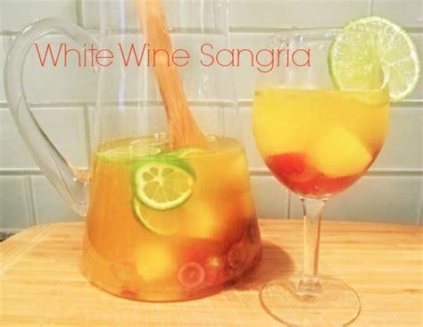 white wine sangria recipe white sangria recipe dishmaps