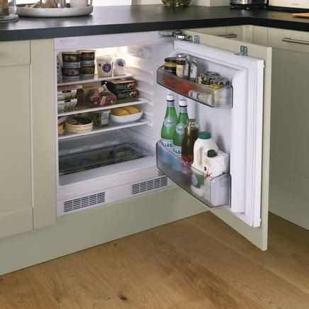 Lamona Integrated Larder Fridge   Howdens Joinery