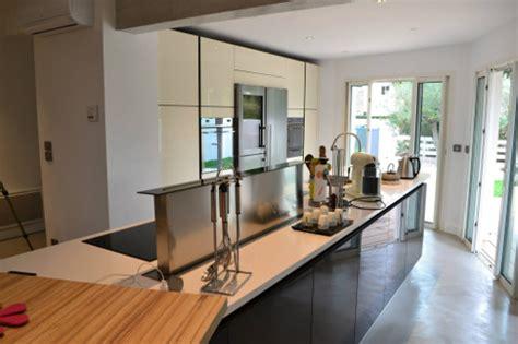 cuisine en longueur ouverte comment aménager une cuisine en longueur le d