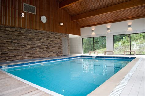 salle de fitness avec piscine h 233 bergement la plagne location la plagne piscine int 233 rieure salle fitness baln 233 o la marmottane