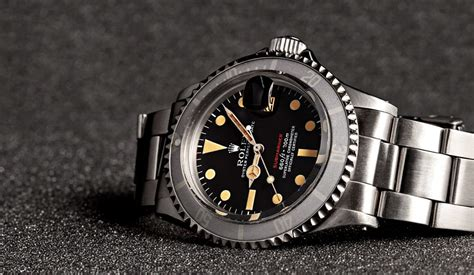 Vintage of the Week: Rolex Red Submariner Reference 1680