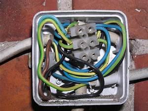 Mehrere Kabel Mit Einem Verbinden : woran kann es liegen dass das licht von alleine an und aus geht seite 2 allmystery ~ Orissabook.com Haus und Dekorationen