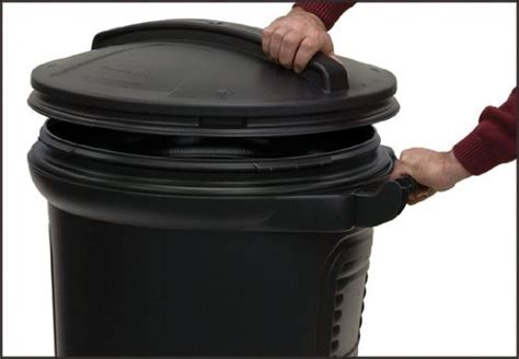 united solutions tb0052 wheeled trash garbage can with