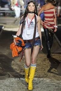 4 Cute Rain Boots Outfit Ideas | Outfit Inspiration Shorts | Pinterest | Rain boots fashion ...