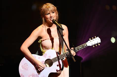 Taylor Swift Clarifies 'Hey Stephen' Isn't About Stephen ...