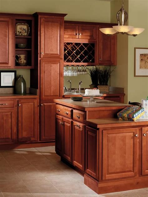 images kitchen cabinets quality cabinets harborview birch cinnamon kitchens 1813