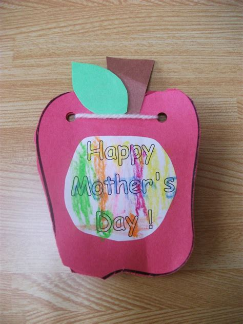 preschool mothers day crafts preschool crafts for s day apple card craft 919