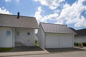 Doppelgarage Mit Satteldach : doppelgaragen als beton fertiggarage von beton kemmler ~ Whattoseeinmadrid.com Haus und Dekorationen