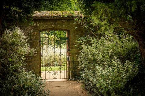 walled garden walled gardens on aboutbritain com