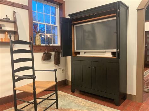 plate   door bi fold tv cabinet shaker shoppe