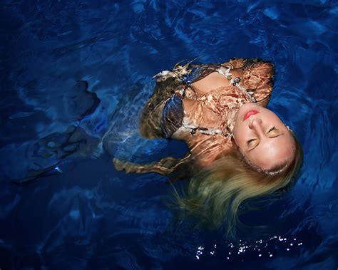Real Life Mermaid Melissa Photo Gallery