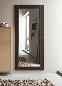 Spiegel Mit Lederrahmen : moderner spiegel mit rahmen aus kunstleder verschiedene farben und gr en cinquanta c ~ Indierocktalk.com Haus und Dekorationen