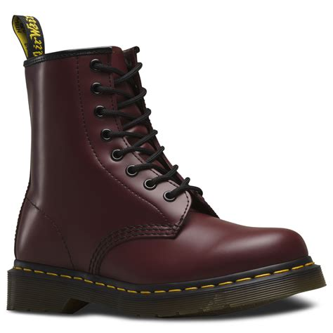 dr martens unisex  cherry red classic smooth leather  eye ankle  boots ebay