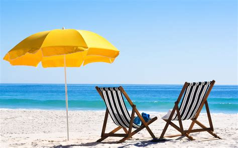 Sunscreen, Tote, Gladiators & 5 Other Things You Bring On