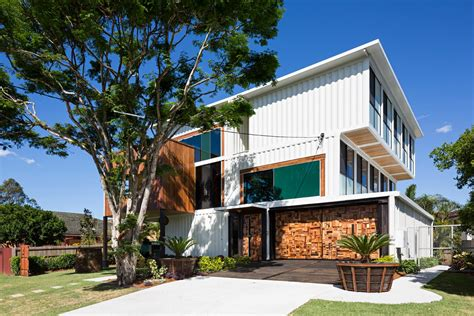 container homes    sa   women