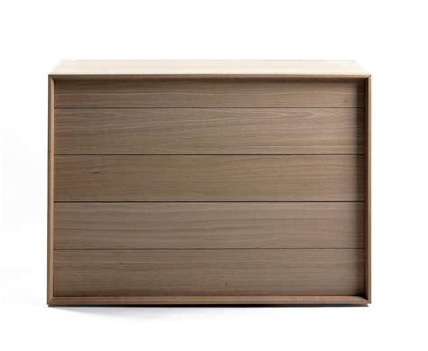 chambre a coucher moderne en bois massif commode en bois massif moderne brin d 39 ouest