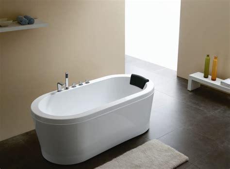 sleek beauty   bathtubs