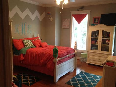 love  daughters  bedroom chevron coral teal girls bedroom teen bedroom ideas monogram