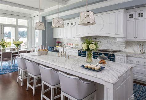 best benjamin white for kitchen cabinets biệt thự mang phong c 193 ch biển truyền thống v 192 căn bếp 9715