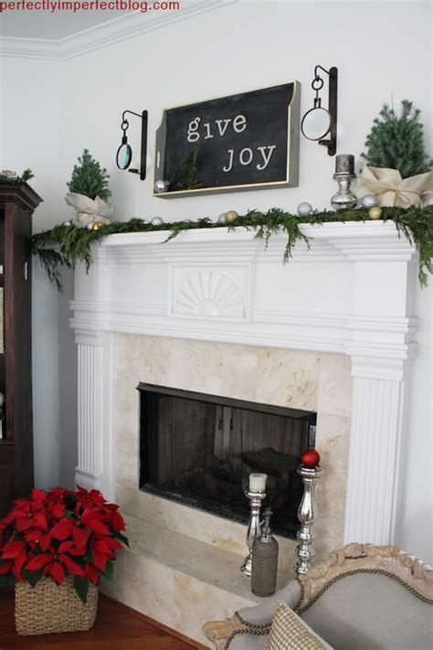 decorate  mantel   holiday centerpiece family