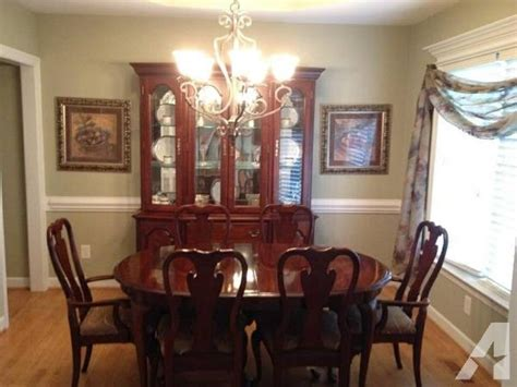 Cherry Dining Room Set  For Sale In Archers Lodge, North