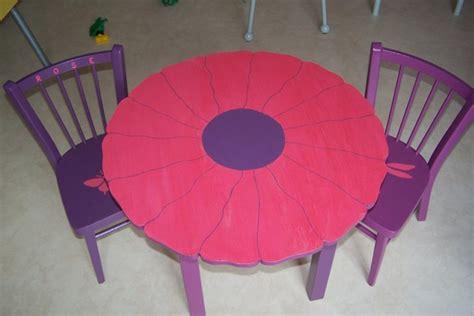 chaise en forme de fleur 28 images table en forme de fleur et ses deux chaises achetez en
