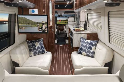 2015 Airstream Interstate Lounge EXT Wardrobe Review