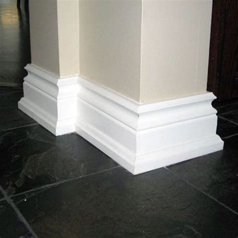 Bold baseboards for added appeal // moulding // molding