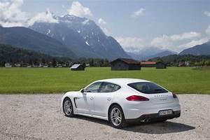 Porsche Panamera Hybride : porsche panamera e hybrid rechargeable automobile propre ~ Medecine-chirurgie-esthetiques.com Avis de Voitures