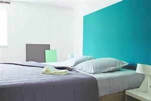 Bleu turquoise peinture recherche google idee maison for Peinture chambre bleu turquoise