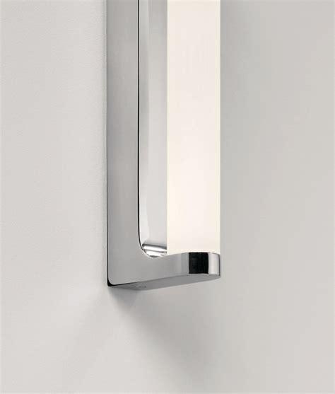 Polished Chrome Bathroom Mirrors by Polished Chrome Led Bathroom Mirror Light Ip44