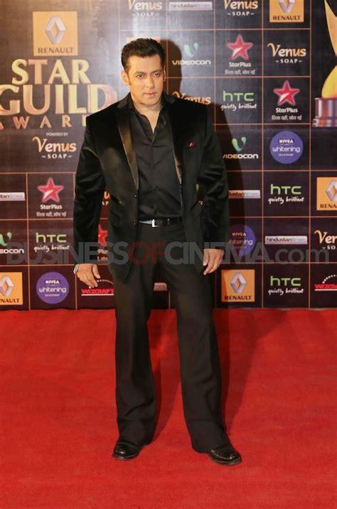 salman khan  black suit  show black suits venus