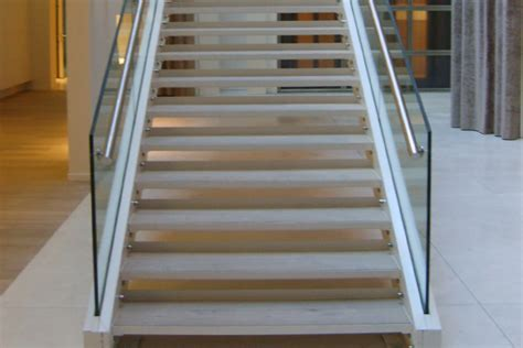 re escalier en verre vepma garde corps et res verre m 201 tal concepteur d ouvrages en verre et m 233 tal