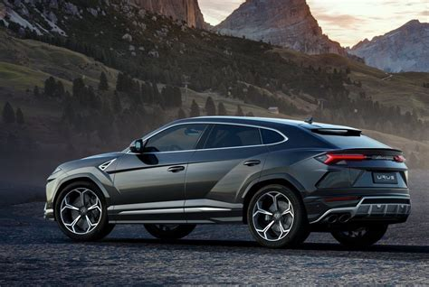 Lamborghini Urus Officially Unveiled With Twinturbo V8