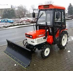 Kleintraktoren Allrad Gebraucht : kleintraktor allrad kubota b1600 mit hydraulischem ~ Kayakingforconservation.com Haus und Dekorationen