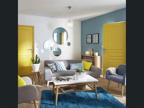 salon sejour bleu jauneorange decoration salon jaune