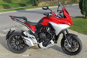 Mv Agusta Turismo Veloce : mv agusta turismo veloce 800 first ride review photos motorcycle usa ~ Medecine-chirurgie-esthetiques.com Avis de Voitures