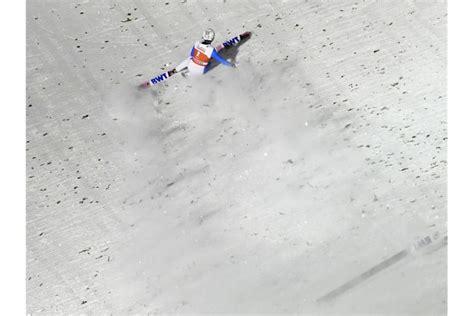 """Daniel andre tande's schwerer sturz im probedurchgang überschattete den flugtag in planica. Skispringer Eisenbichler siegt erneut - """"Zeigt, wie es geht"""""""
