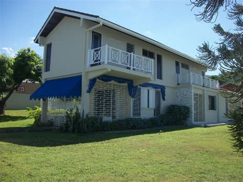 4 bedroom 3 bath house for rent 4 bed 3 5 bath house for rent in kingston 8 jamaica
