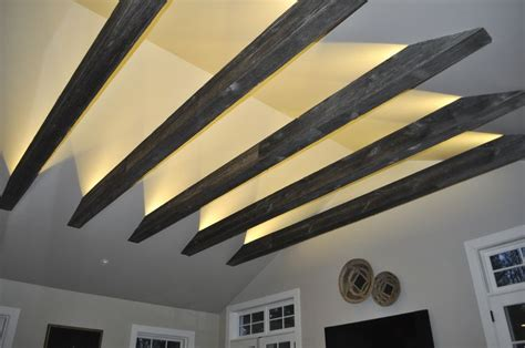 Indirekte Beleuchtung Balken by Beams Are Wrapped In Barn Siding That Give Them A
