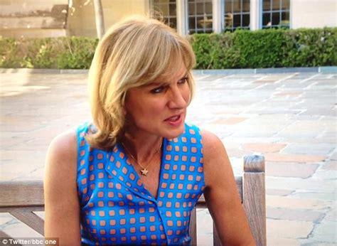 Fiona Bruce's dress looks exactly like Greggs' logo ...