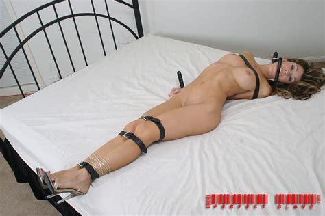 filipina girlfriend topless sexting