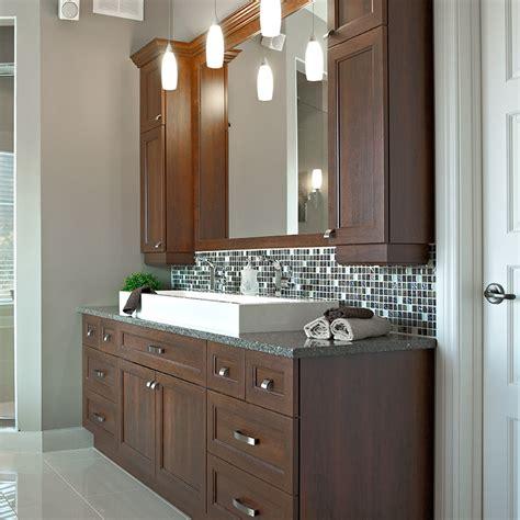 armoires de salle de bain en melamine polyester et comptoir en quartz maison