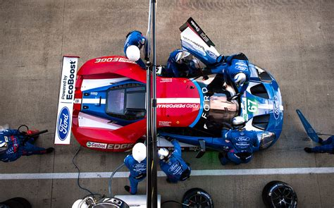 ford gt cars complete silverstone hrs  le mans