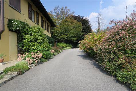 giardino in discesa un bel giardino privato a luino giardini in viaggio