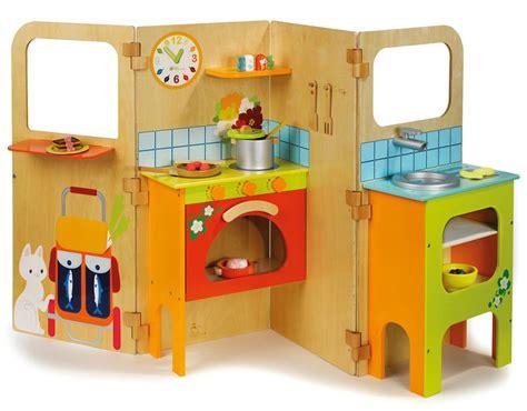 cuisine en bois enfants petit séléction de jeux d 39 imitations une parisienne à