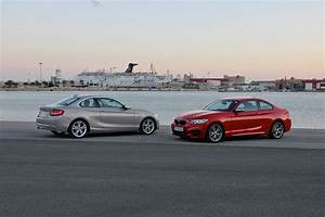Bmw Serie 2 Coupé : official bmw offers xdrive for its entire 2015 2 series ~ Melissatoandfro.com Idées de Décoration