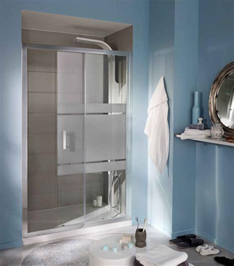 Porte de douche grands espaces, modèle VOGUE Un design