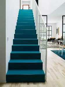 escalier peint inspiration couleur et deco deco cool With peindre des marches d escalier en bois 15 cage descalier 20 idees deco pour un bel escalier